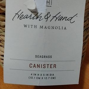 Threshold seagrass canister